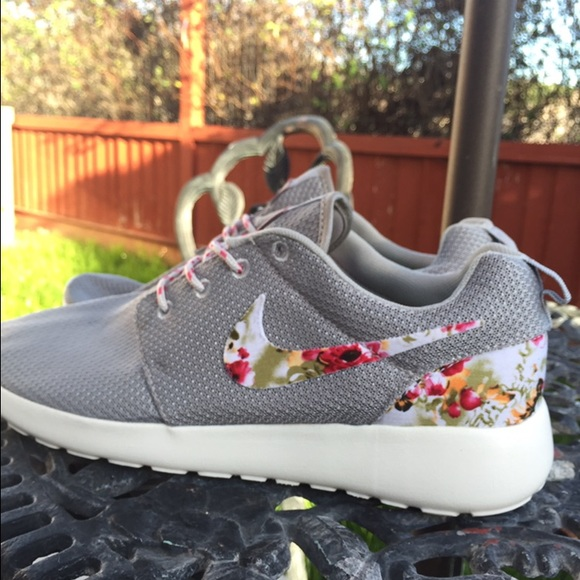 new product 28557 2df9c MORE SIZES Nike Roshe Run Wolf Grey Custom