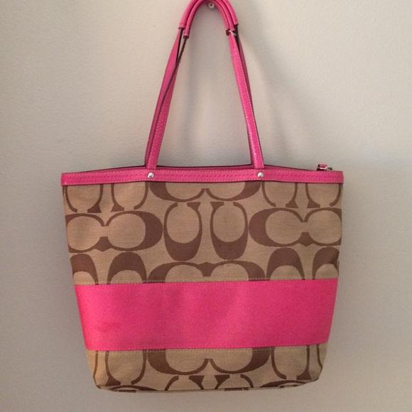 cc6ff40998a8 ... get pink classic coach signature c zippered tote cd950 e0e2a