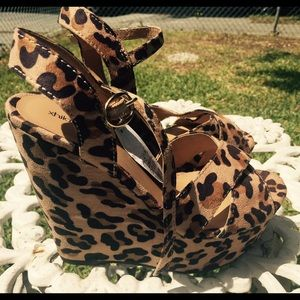 Exhilaration Shoes - Leopard Open Toe Wedges