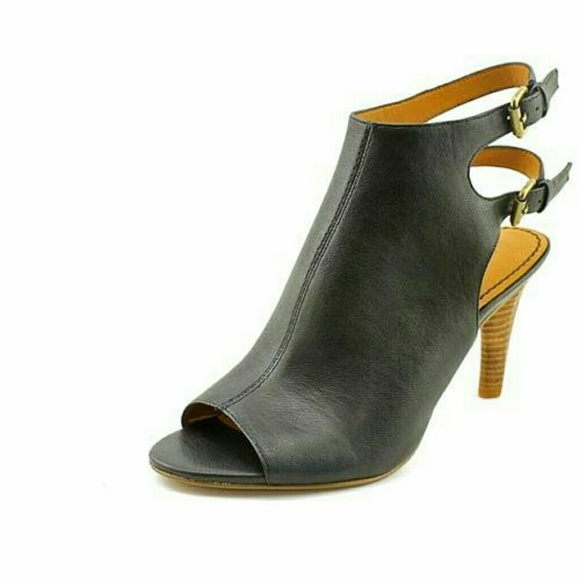 af15ac706 Nine West Women s Miraculous Leather Dress Sandal.  M 55341fea4e95a36b8e009c03
