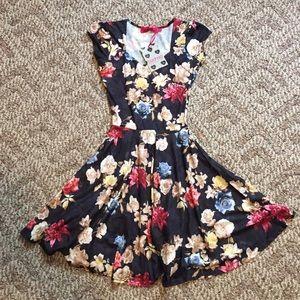 Dresses & Skirts - Floral skater dress