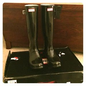 Original Hunter Boots. Black gloss. Size 8.