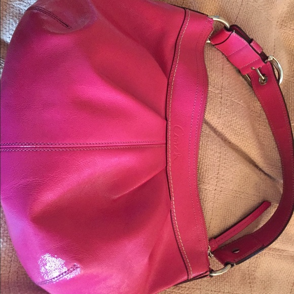 0c88b305eca9 Coach Handbags - Coach hobo patent leather purse hot pink