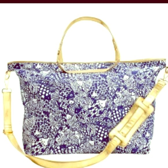b111fadb7f3b Lilly Pulitzer Handbags - ISO Lilly for target weekender bag (upstream)