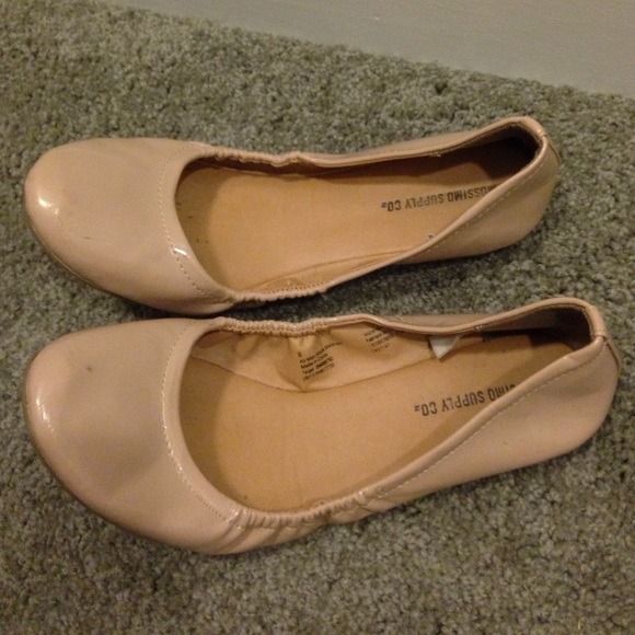 Nude Patent Flats 47