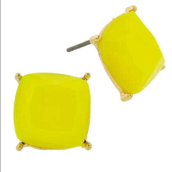 Starlet Fever Jewelry - 👂🏼Gold Tone Faceted Square Yellow Post Earrings