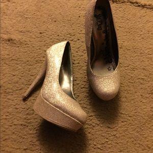 Shoes - Gold glitter heels