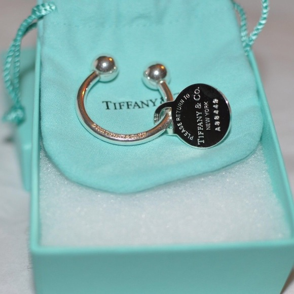BRAND NEW Return To Tiffany Round Tag Key Ring