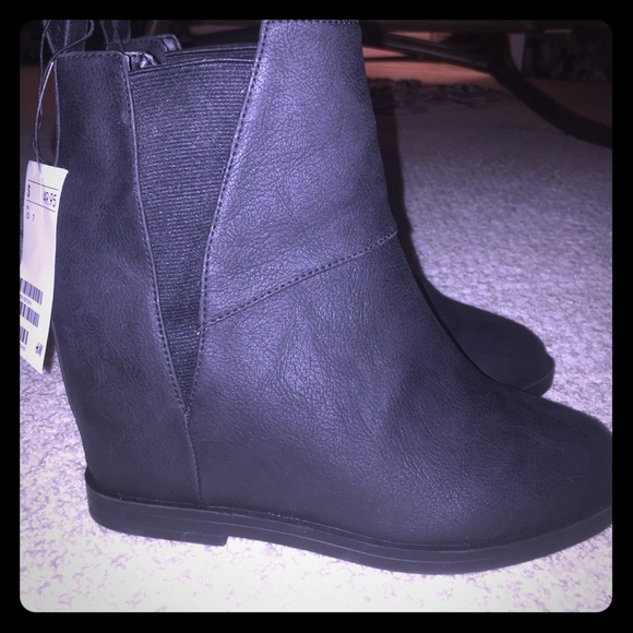 64 h m boots h m wedge heel boots from darby s