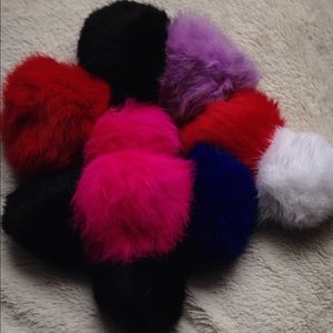 Accessories - Fur Poofs / Pouf Puff