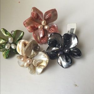 Jewelry - 4 Floral Ring Bundle