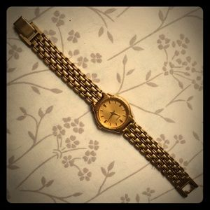 Seiko Accessories - Seiko Ladies Gold Dress Watch