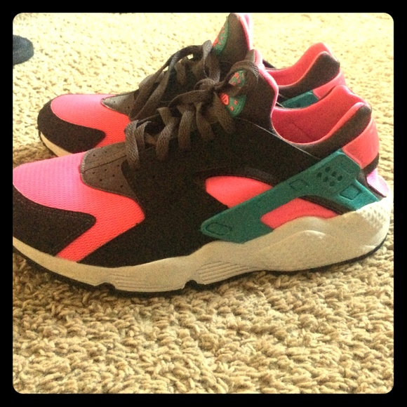 4aa4dc64109c Nike Air Huarache Hyper Pink Dusty Cactus 10.5. M 5536d3aa2fd0b7330b00550b