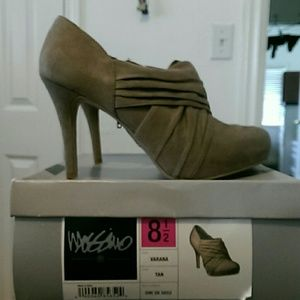 Mossino olive color heels