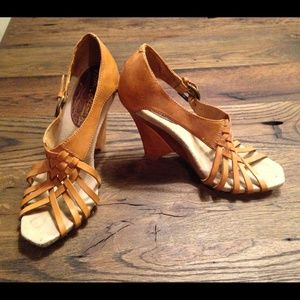 Adorable Sam Edelman Wedges