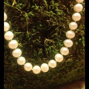 Jewelry - White freshwater cultured pearl strand...