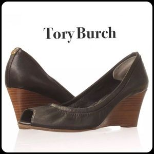 🔥HP Tory Burch Black Eddie Wedge Like New🔥