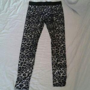 EUC Silky animal print leggings OS