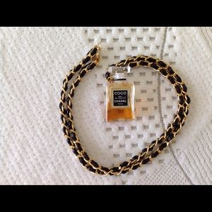 Auth CHANEL Gold Chain Perfume Pendant Necklace