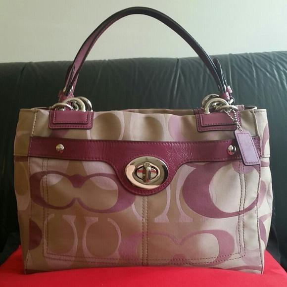 a739eca355 Coach Handbags - Coach Penelope Optic Signature Carry all Handbag