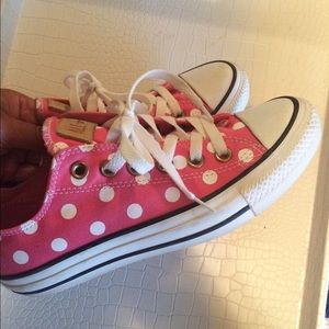Pink and white polka dot Converse Chuck Taylor 7