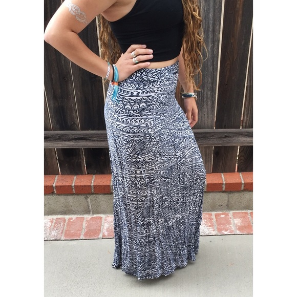 37% off Brandy Melville Dresses & Skirts - Blue & white patterned ...