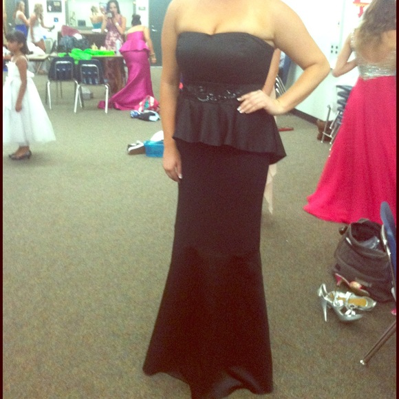 Vera Wang Dresses Black Strapless Evening Gown Poshmark