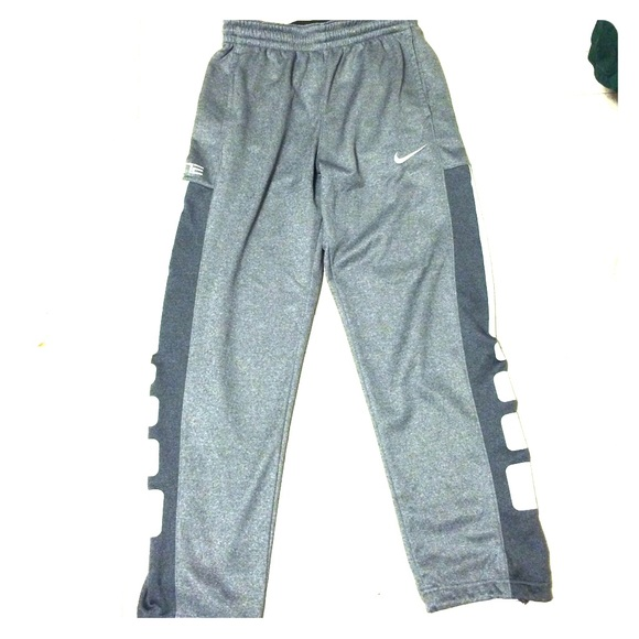 9f3c7c26eaa8 Nike Elite Men s Sweatpants. M 5538788fbf6df54427001b5f