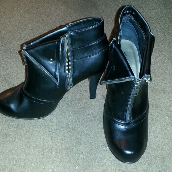 70 andrea shoes black zipper ankle boots from