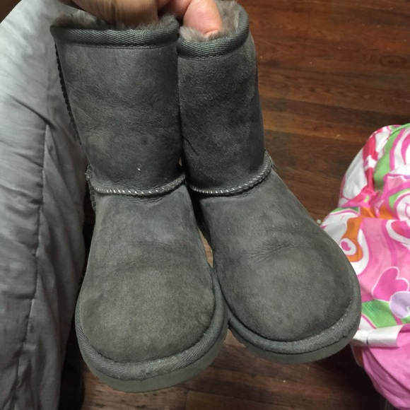 Ugg kids boot - kids size 12 - Used Uggs!