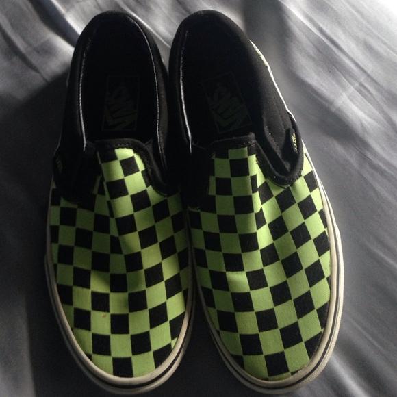 31cdc7260dc11f ... Black and Green Checkered Vans. M 5539589cd14d7b566f003cde