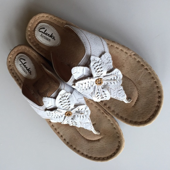 Clarks shoes artisan white leather flower flip flops 10 poshmark clarks artisan white leather flower flip flops 10 mightylinksfo