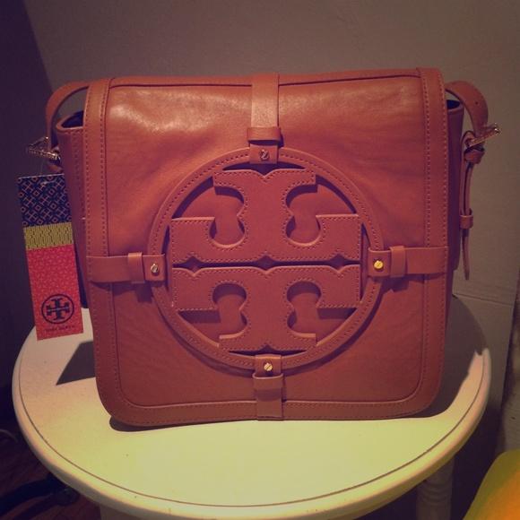 d0a2366e6058 NWT Tory Burch Holly Shoulder bag
