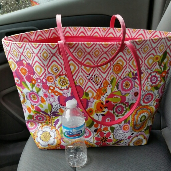 bradley beach single women Free shipping both ways on vera bradley beach bags, from our vast selection of styles fast delivery, and 24/7/365 real-person service with a smile click or call 800-927-7671.