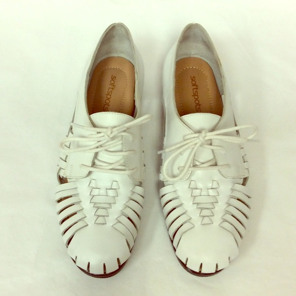 29c56a184f Soft spots white leather weave sneaker. M 55398dedea3f360e3f0005d0