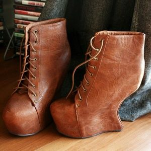 ⭐Super cool Vintage brand faux leather boots ⭐