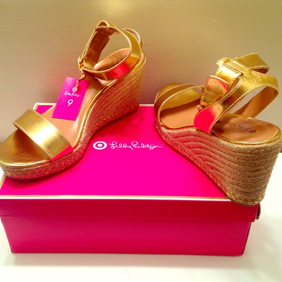 628e3b803ec Lilly Pulitzer for target gold wedges size 9