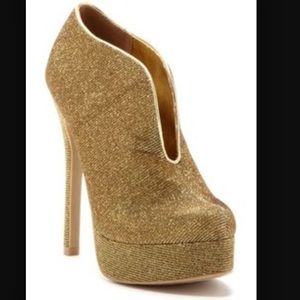 Gold Sparkly High Heel Shoe