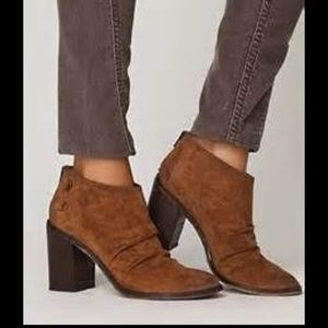Boutique 9 brown Shale Ruched distressed booties