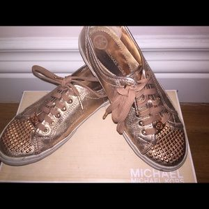 Michael kors sneakers WITH BOX