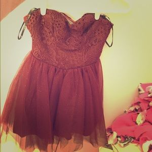 Dresses & Skirts - Burgundy lace sparkly dress