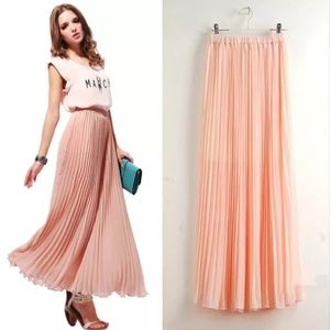 Peach light Maxi skirt Pleaded