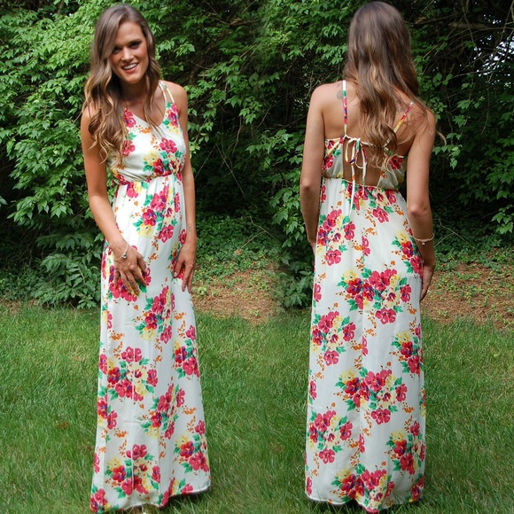 4a46db05a90 NWT Floral Cream Coral Summer Maxi Dress