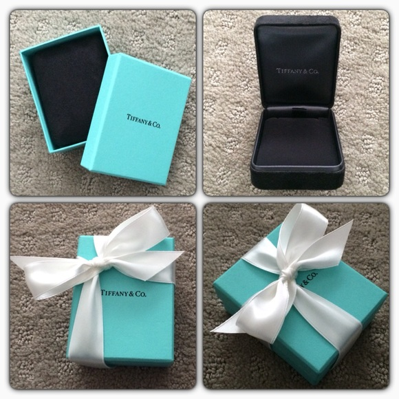 6be455aee7cff 💯 Authentic Tiffany Necklace Box Set