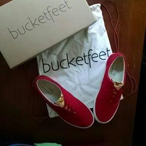 Bucketfeet Shoes - Bucketfeet Canvas sneakers