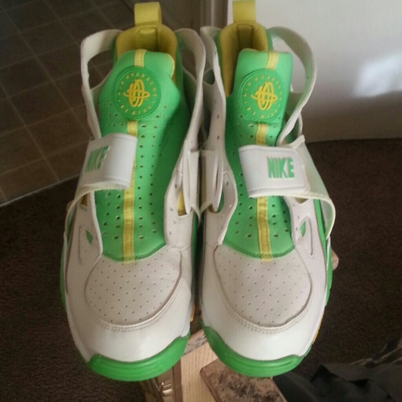 info for 6fbdd d25bd 2006 Special edition official Nike Huarache