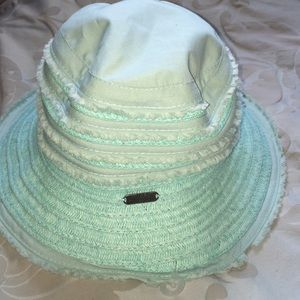 Accessories - Columbia baby blue bucket hat packable 63ffcee394d