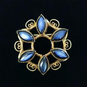VINTAGE Gold Catamore Brooch