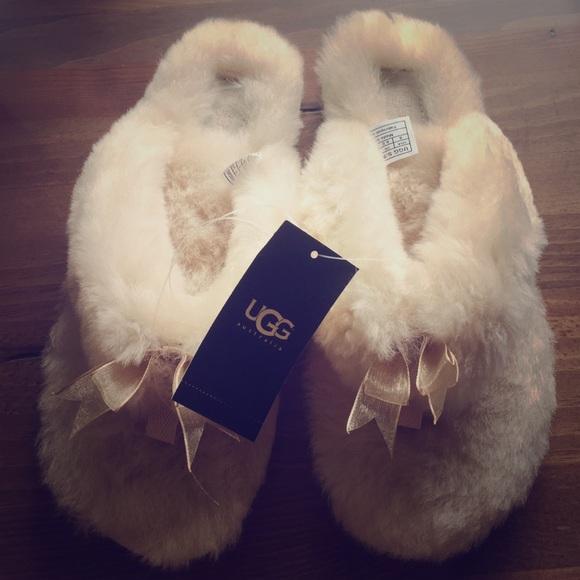 UGG Australia Fluff Flip Flop II Size 8 7d6c8a943