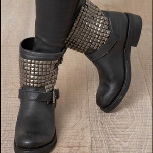 ASH TRAMP STUDDED BOOTS